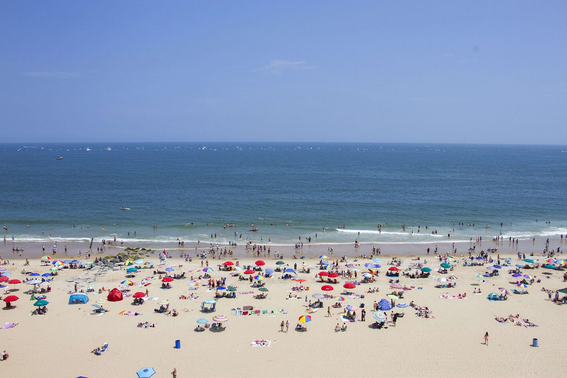beach-people-ocean