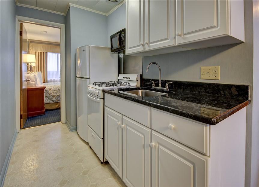 oceanfront suite full kitchen